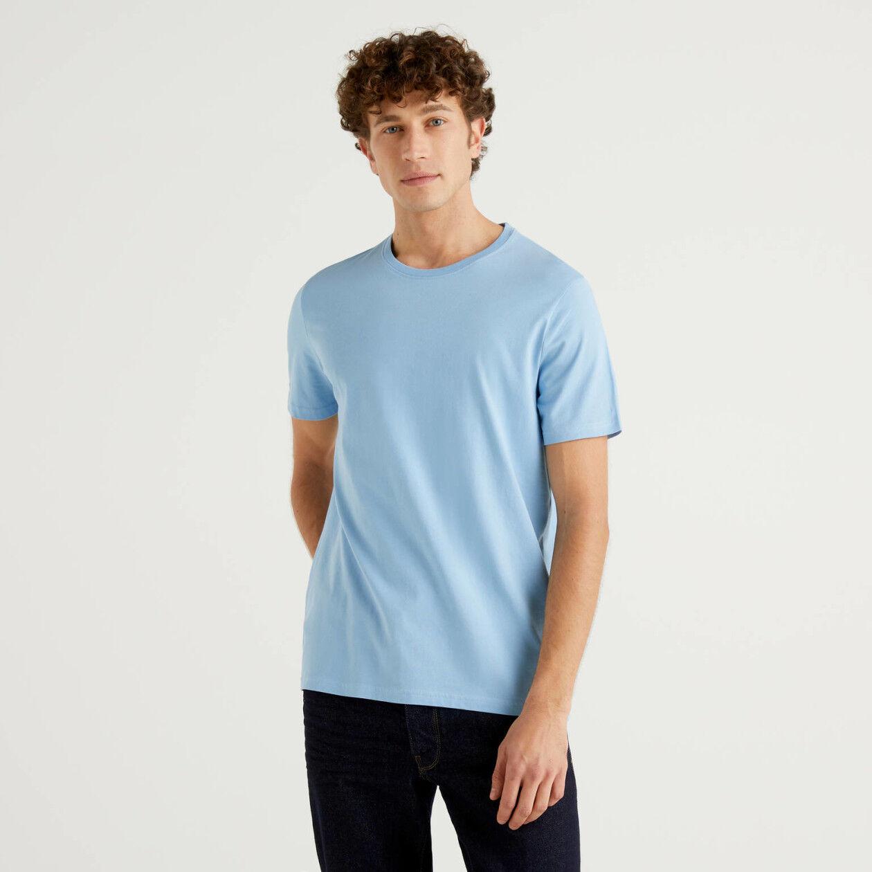 T-shirt azul-celeste em algodão puro