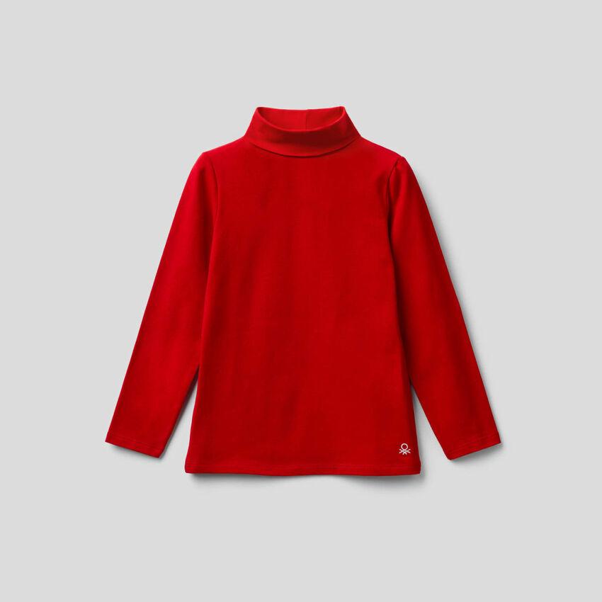 T-shirt em algodão stretch com gola alta