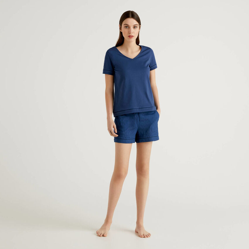Pijama com t-shirt e calções