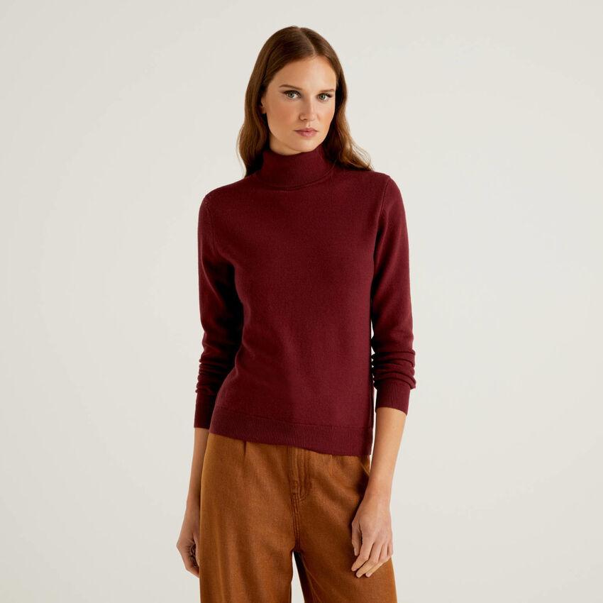 Camisola de gola alta bordô em pura lã virgem