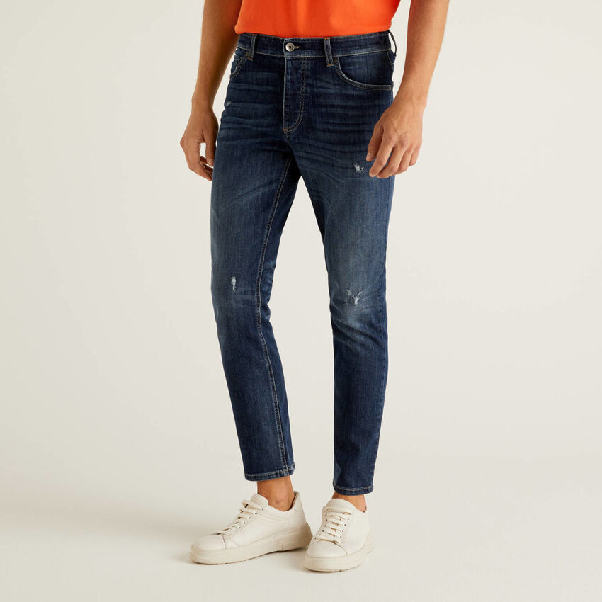 Jeans slim fit com cintura regular