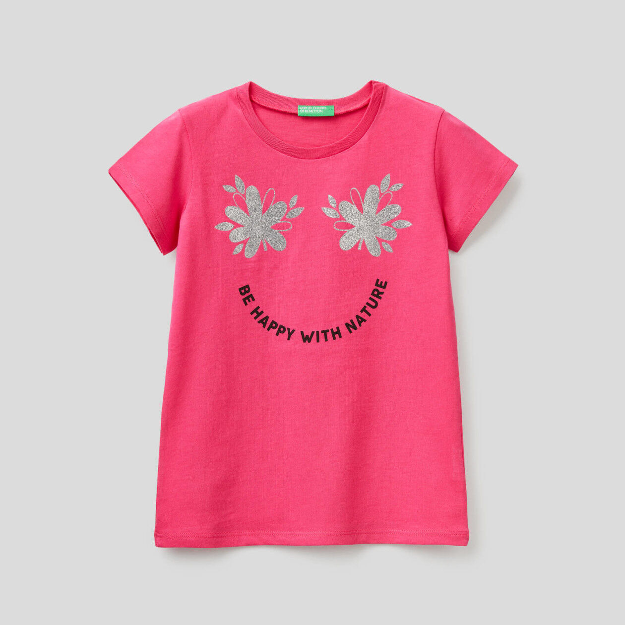 T-shirt com estampa glitter