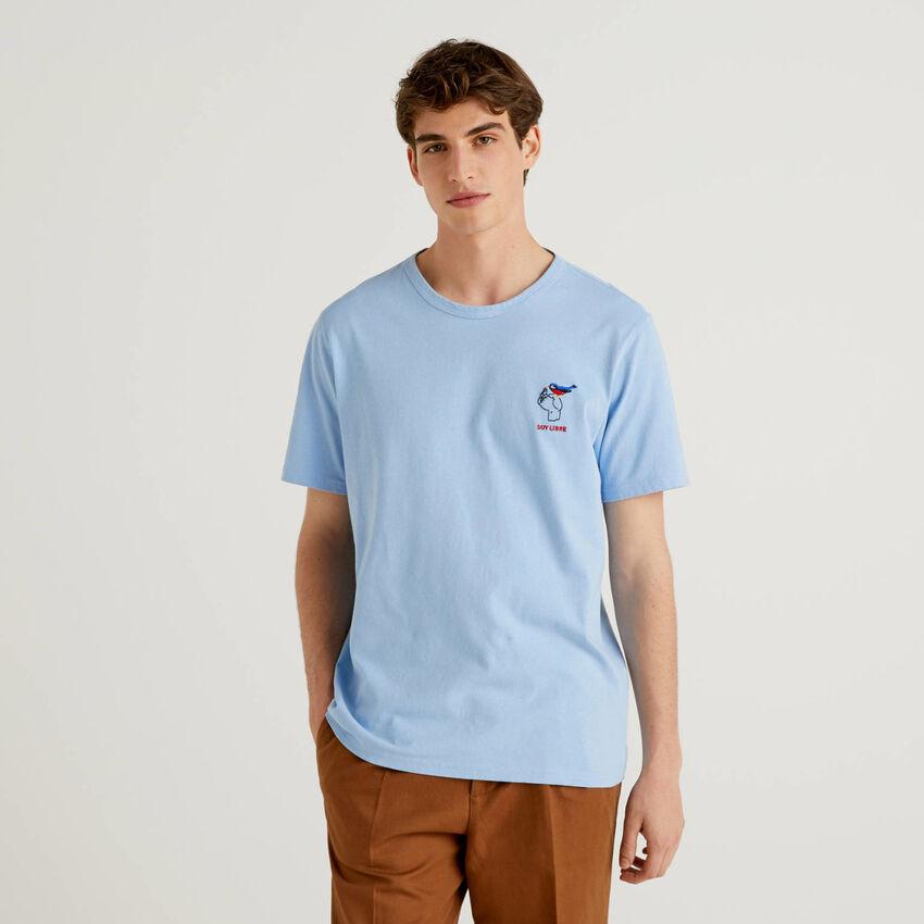 T-shirt em algodão puro com bordados