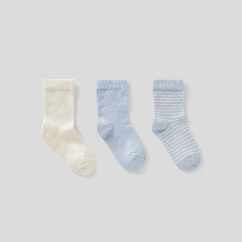 Set de meias em tons de azul-celeste