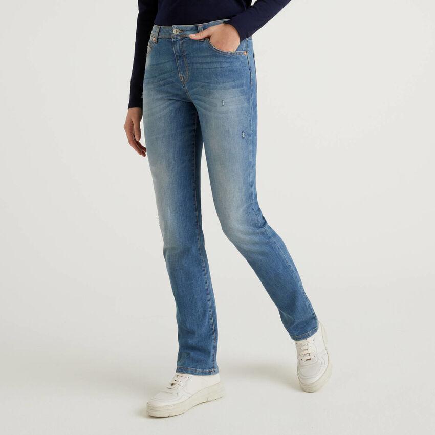 Jeans de perna direita em denim stretch