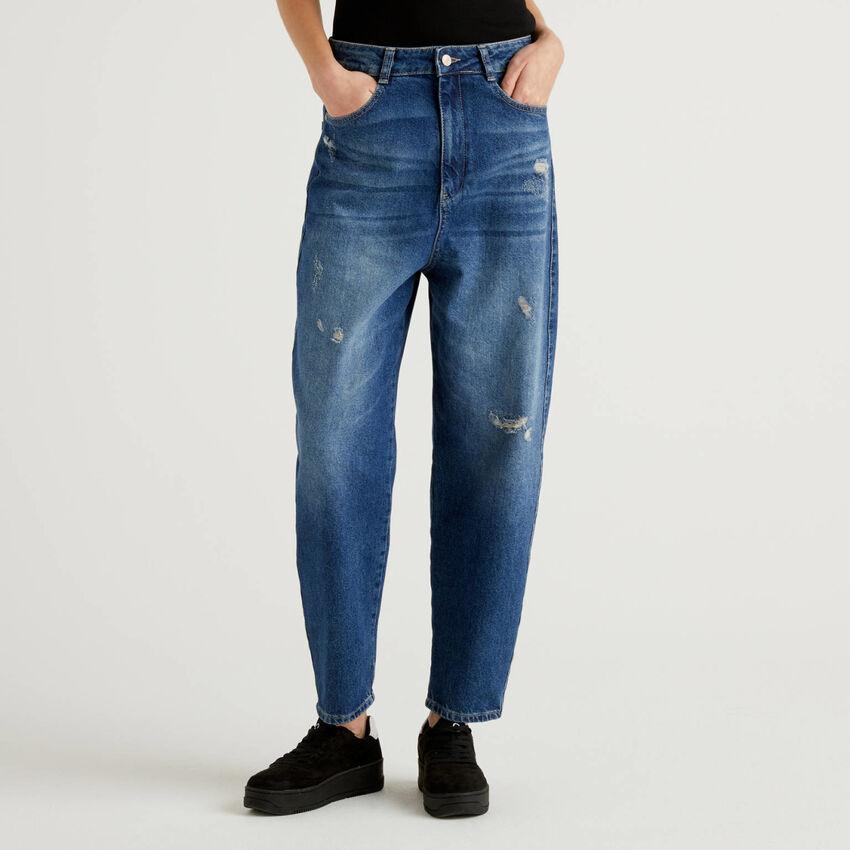 Jeans carrot fit em denim 100% algodão