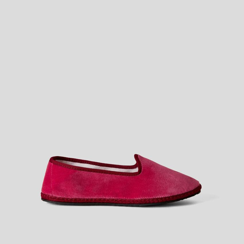 Sapatos Friulane cíclame de veludo