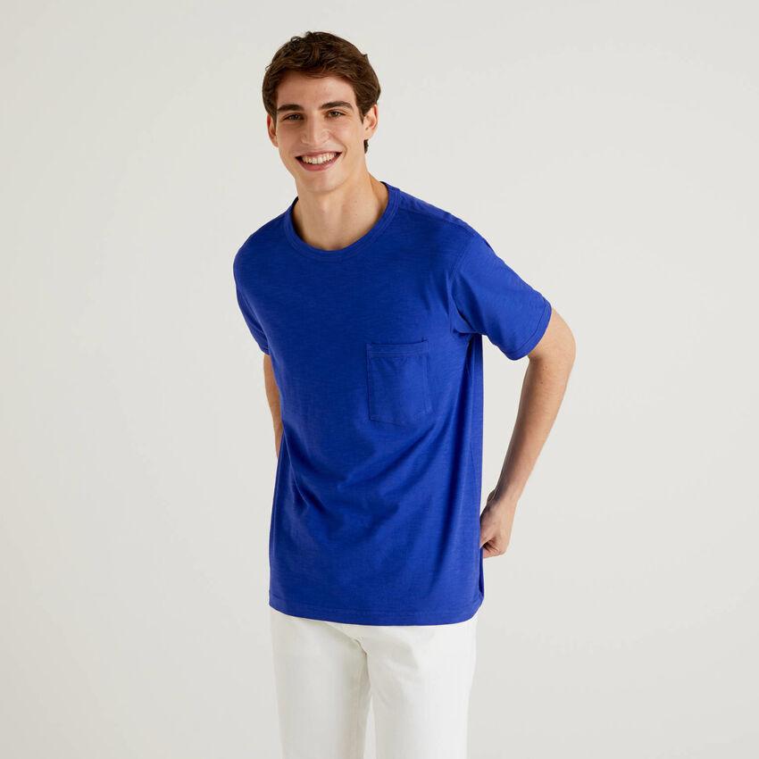T-shirt em algodão com bolso