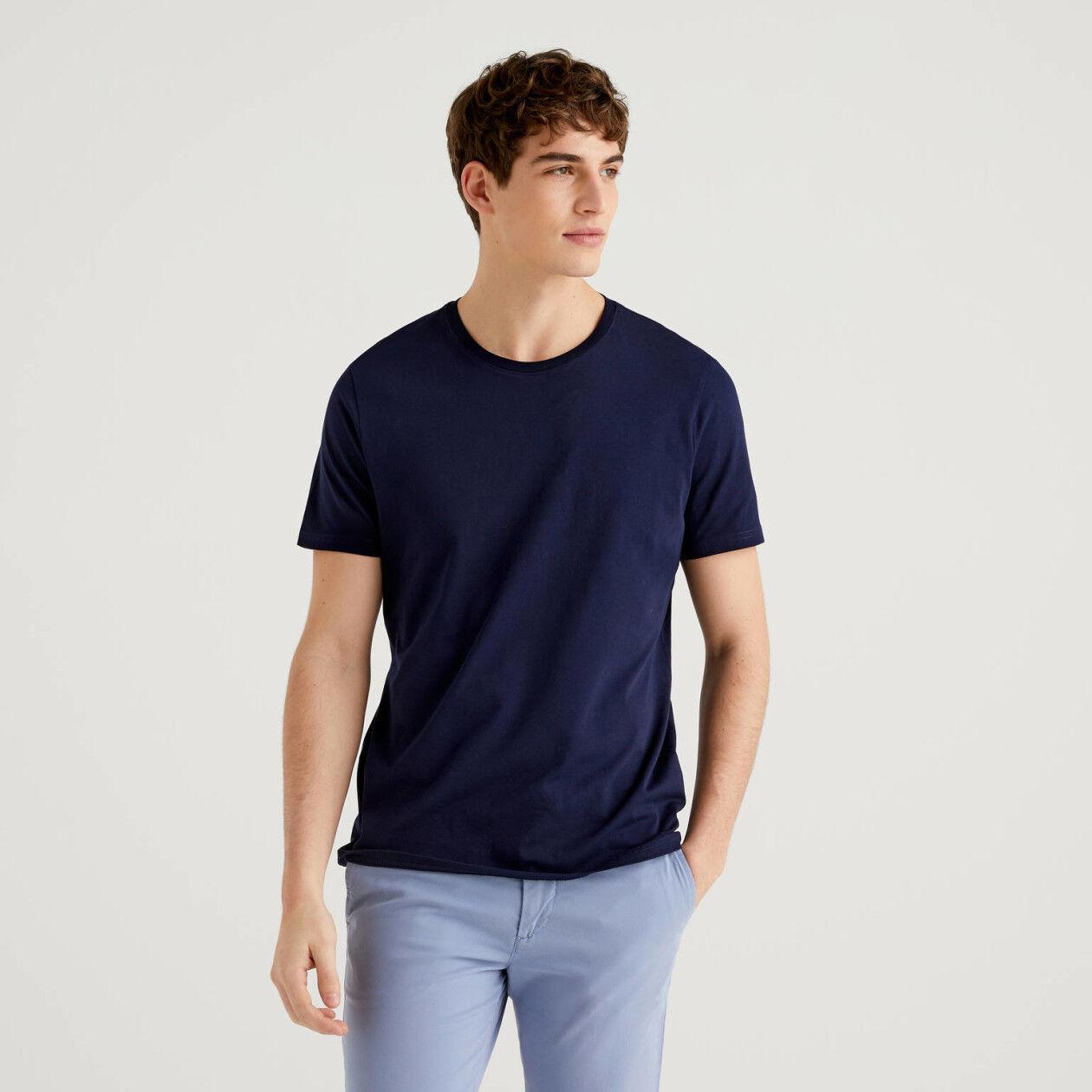 T-shirt azul-escuro em algodão puro