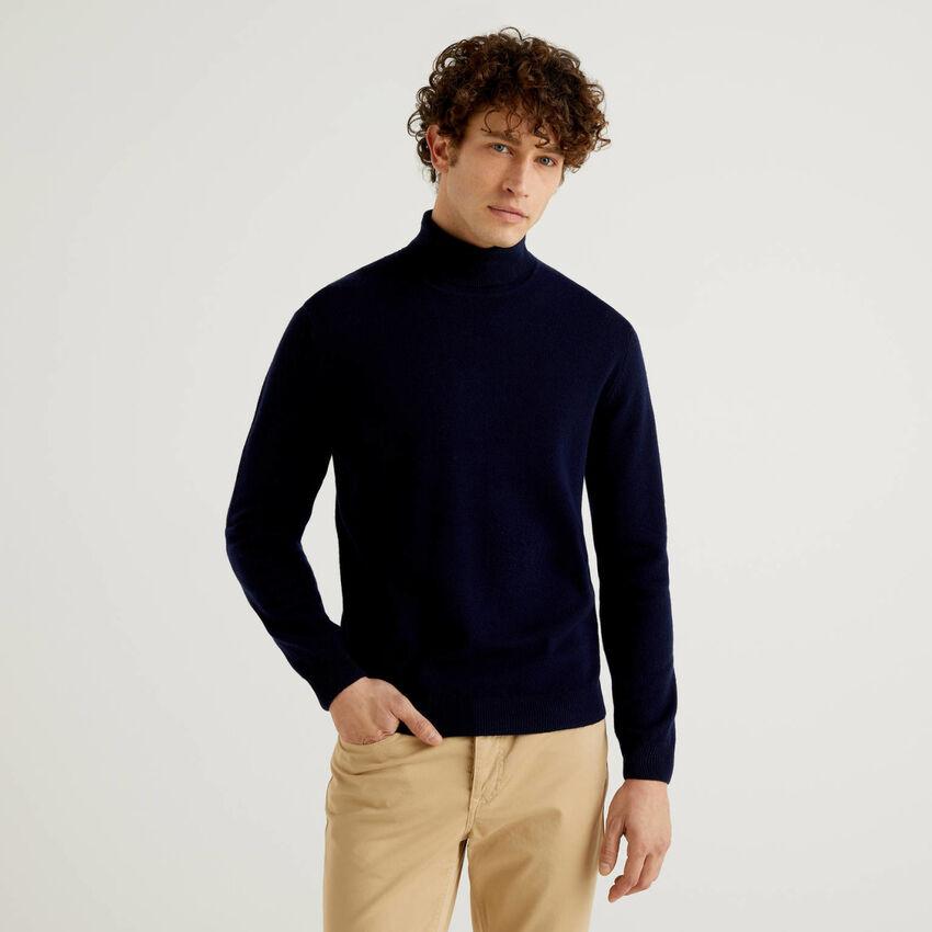Camisola de gola alta azul-escuro em pura lã virgem