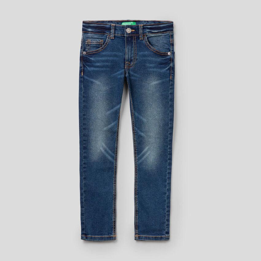 Jeans skinny fit efeito vintage