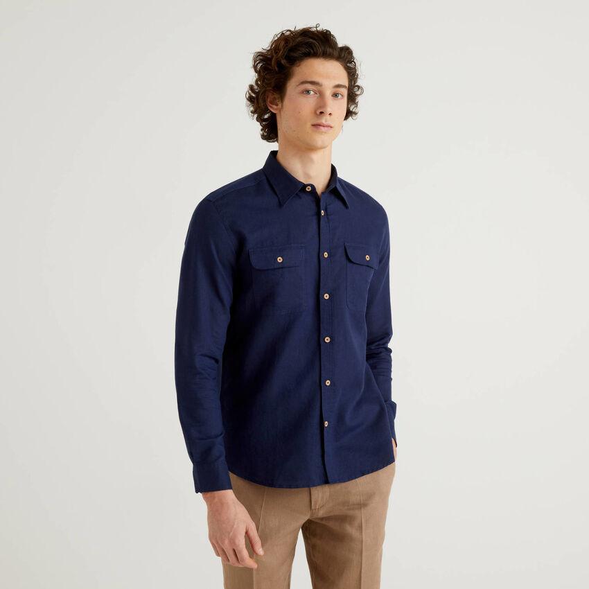 Camisa regular fit em mescla de linho e algodão