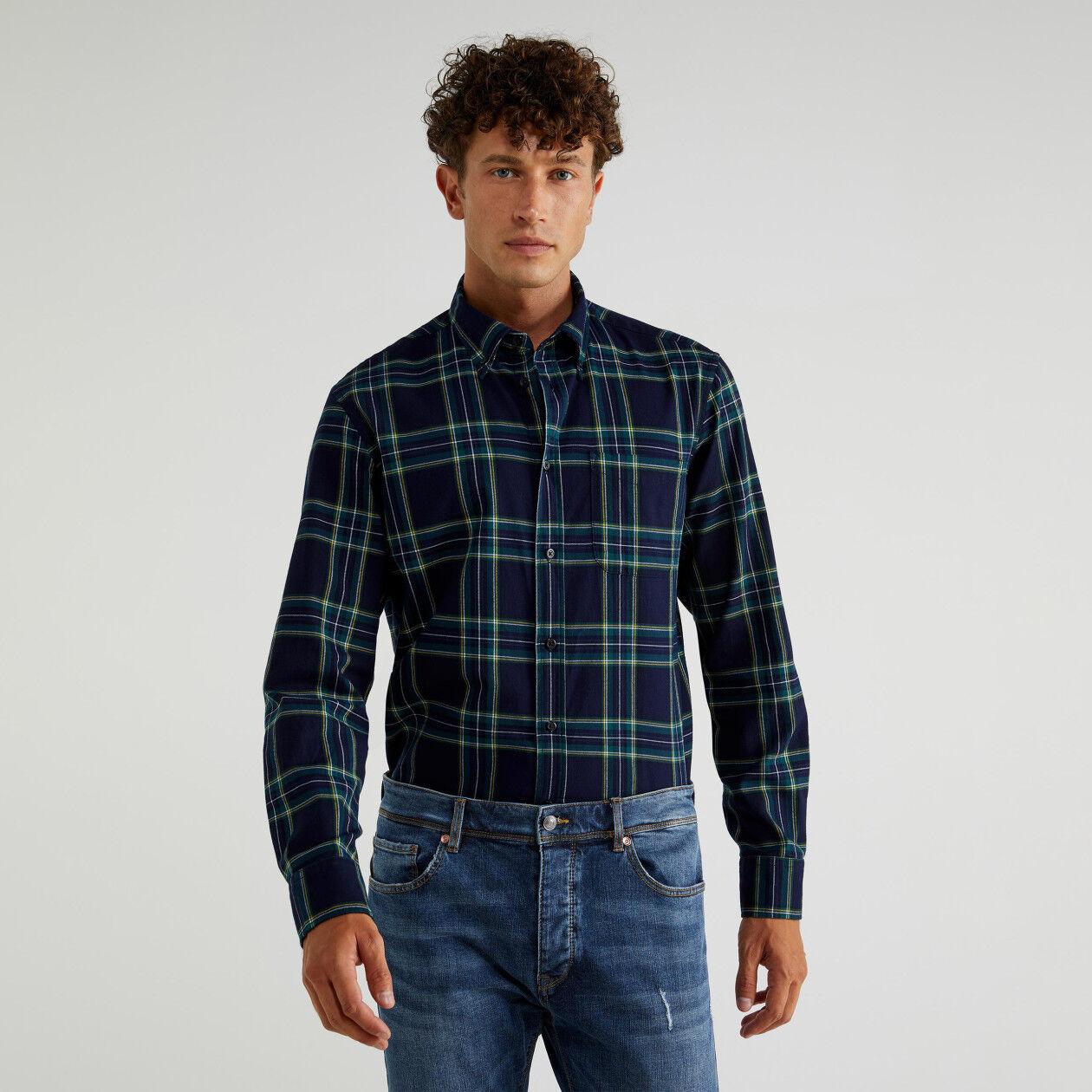 Camisa em chambray aos quadrados