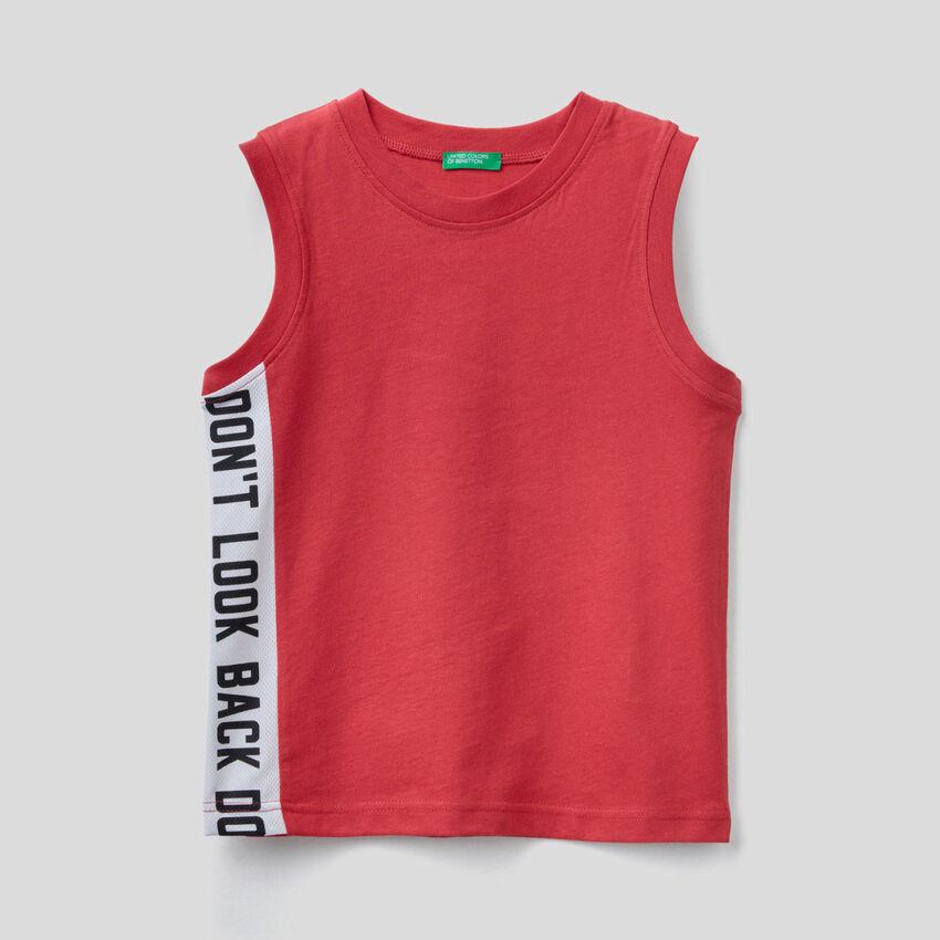 T-shirt sem mangas com faixa em contraste