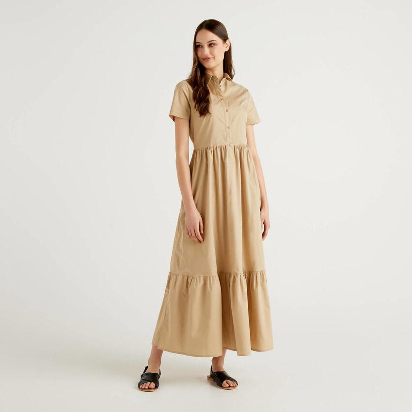 Vestido comprido com folho na base