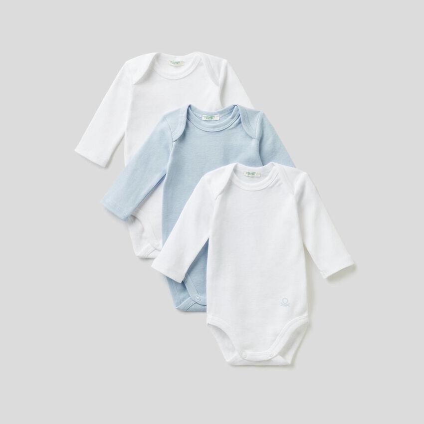 Três bodies em algodão orgânico