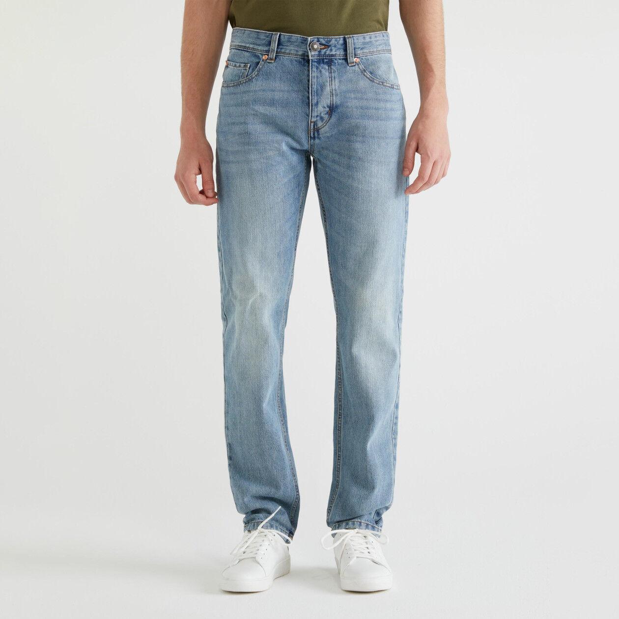 Jeans straight cinco bolsos