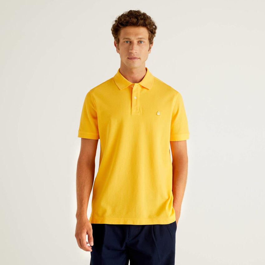 Polo regular fit amarelo