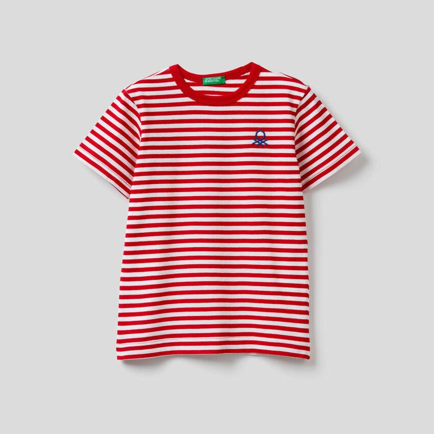 T-shirt às riscas 100% algodão