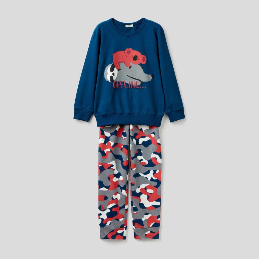 Pijama comprido de algodão com estampas