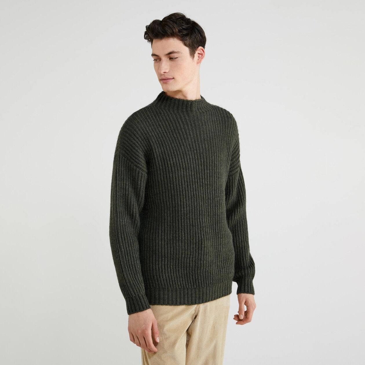 Camisola de gola alta em lã e alpaca