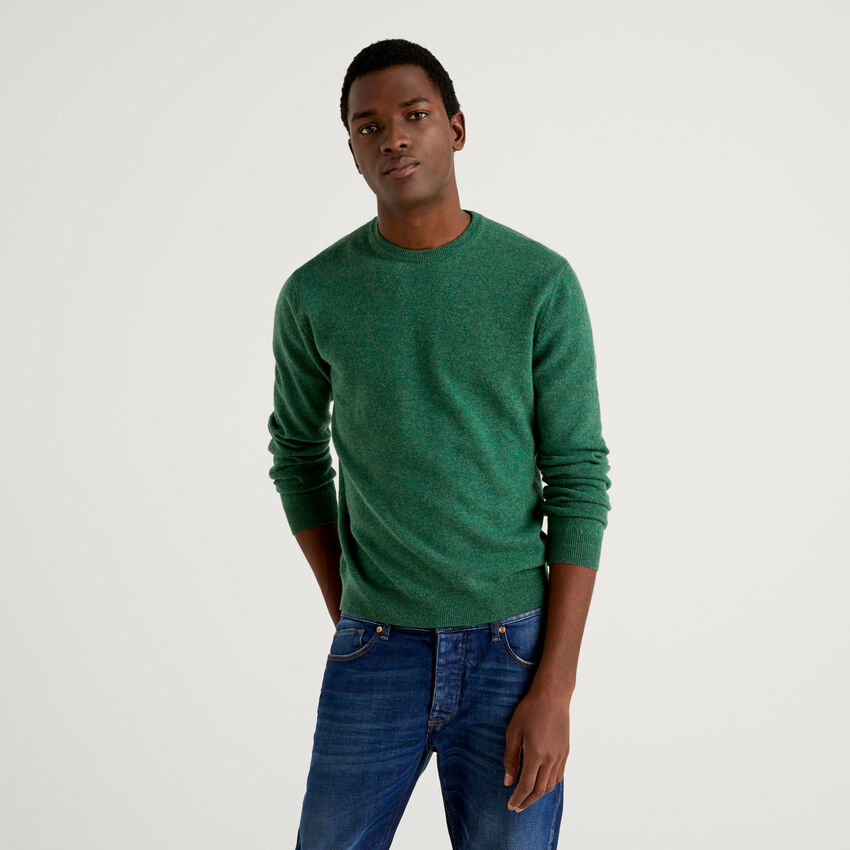 Camisola de gola redonda verde em pura lã virgem