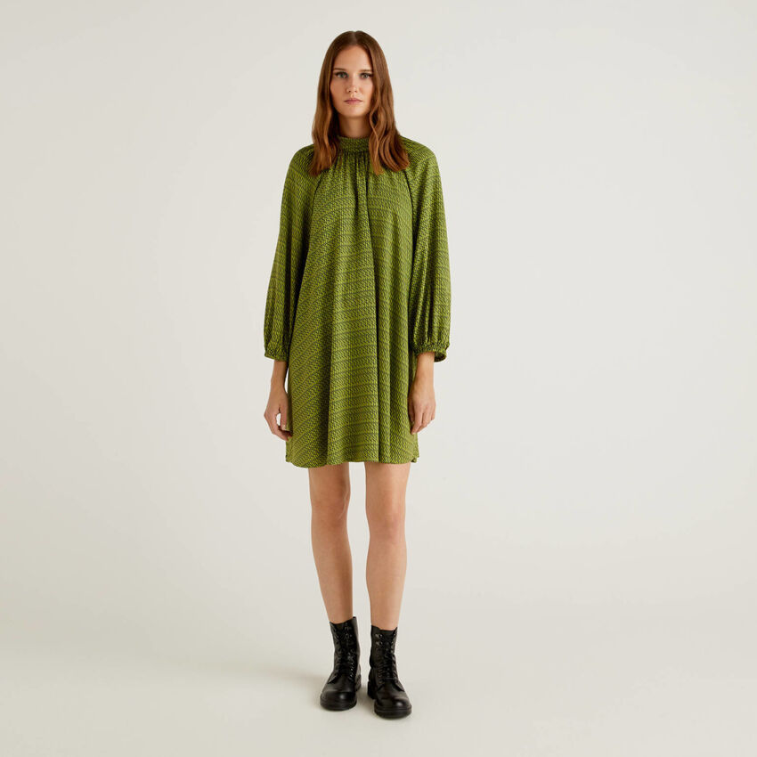 Vestido padrão em viscose sustentável