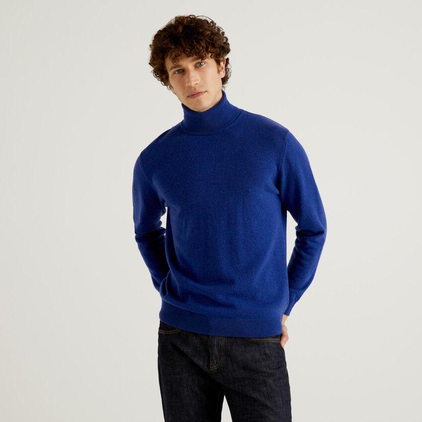 Camisola de gola alta azul bluette em pura lã virgem
