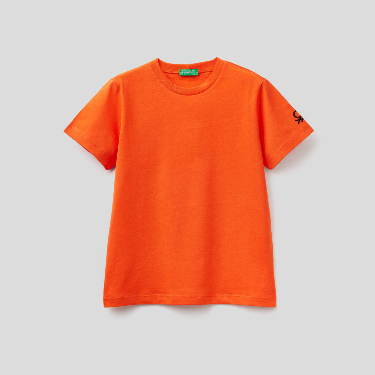 T-shirt em algodão orgânico com estampa logo