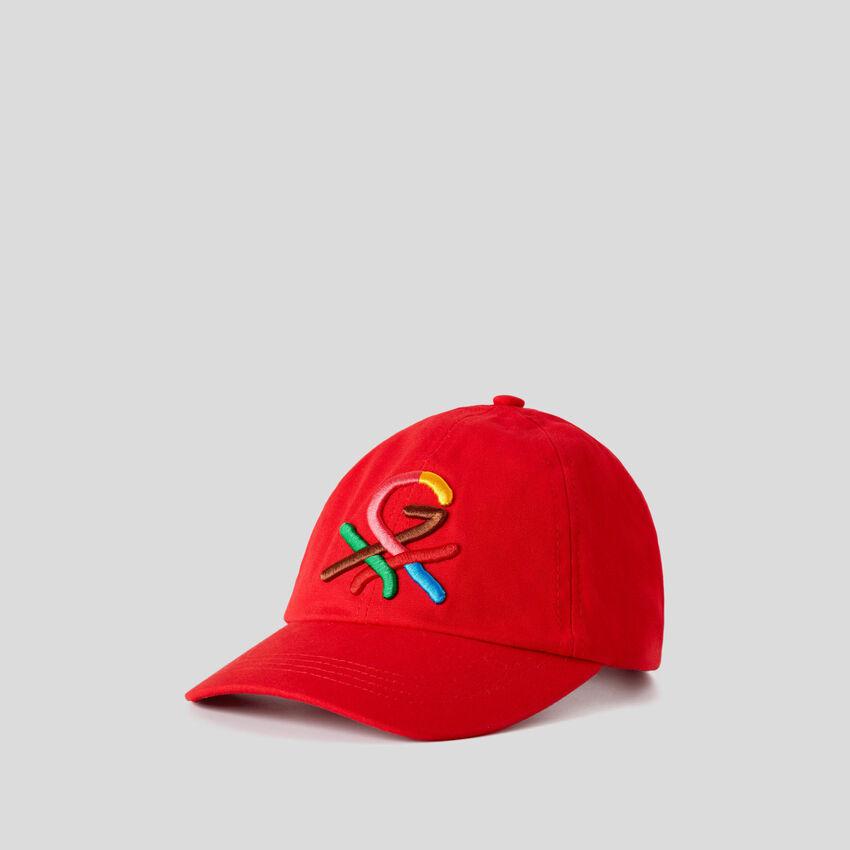 Boné vermelho com logótipo bordado by Ghali