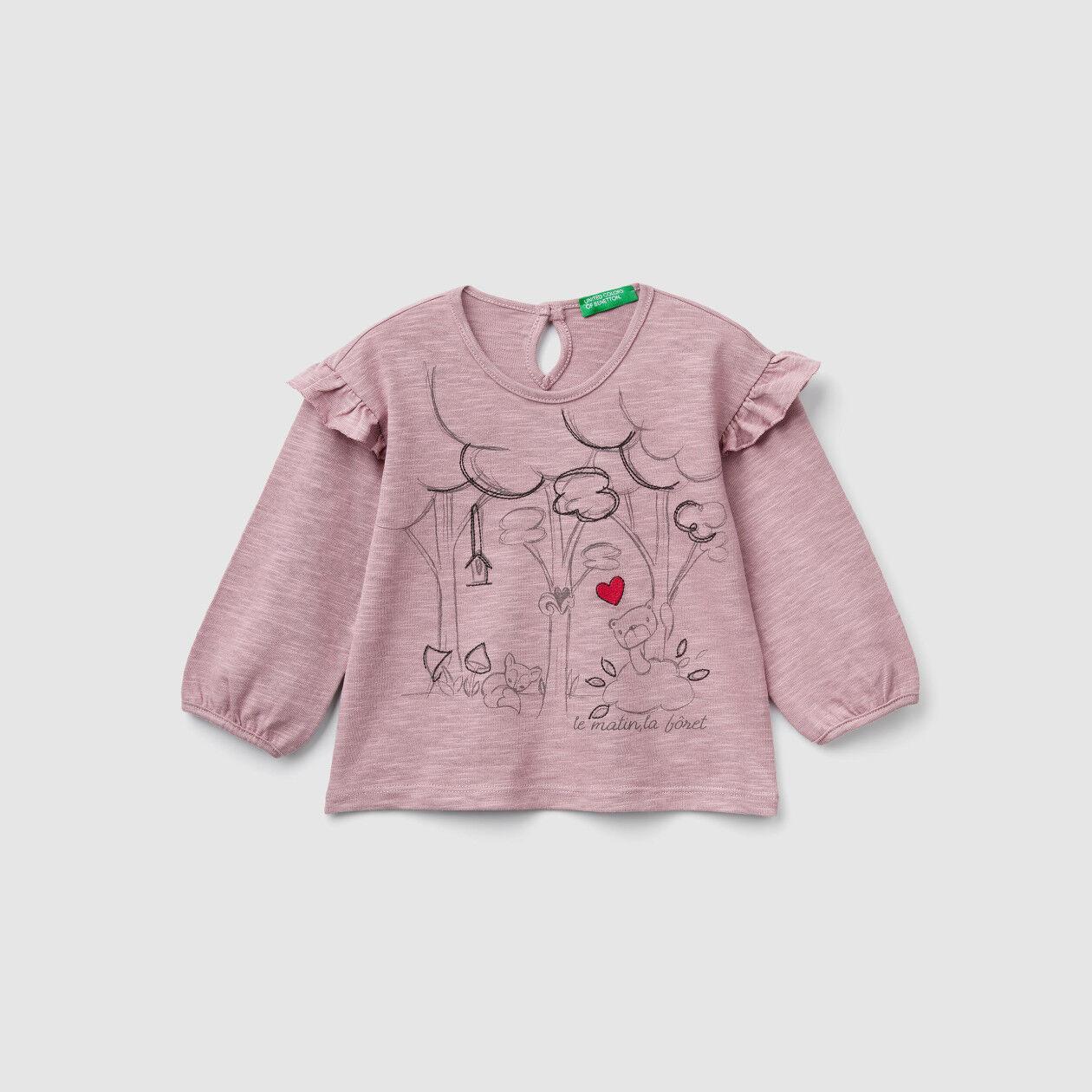 T-shirt com estampa e bordado