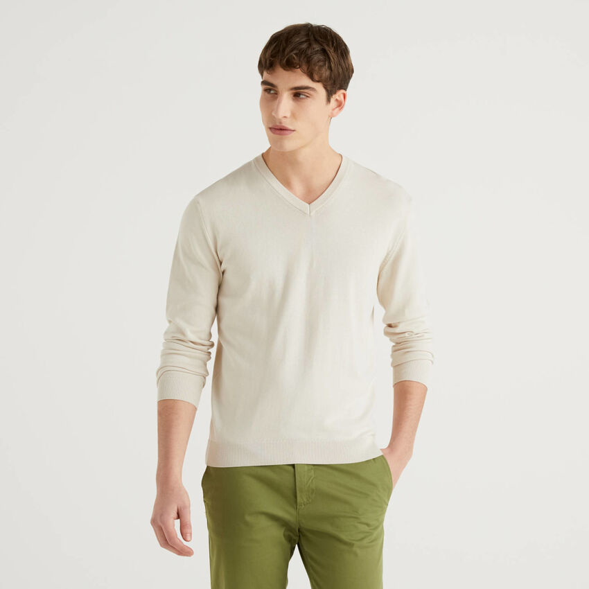 Camisola em algodão puro com decote em V
