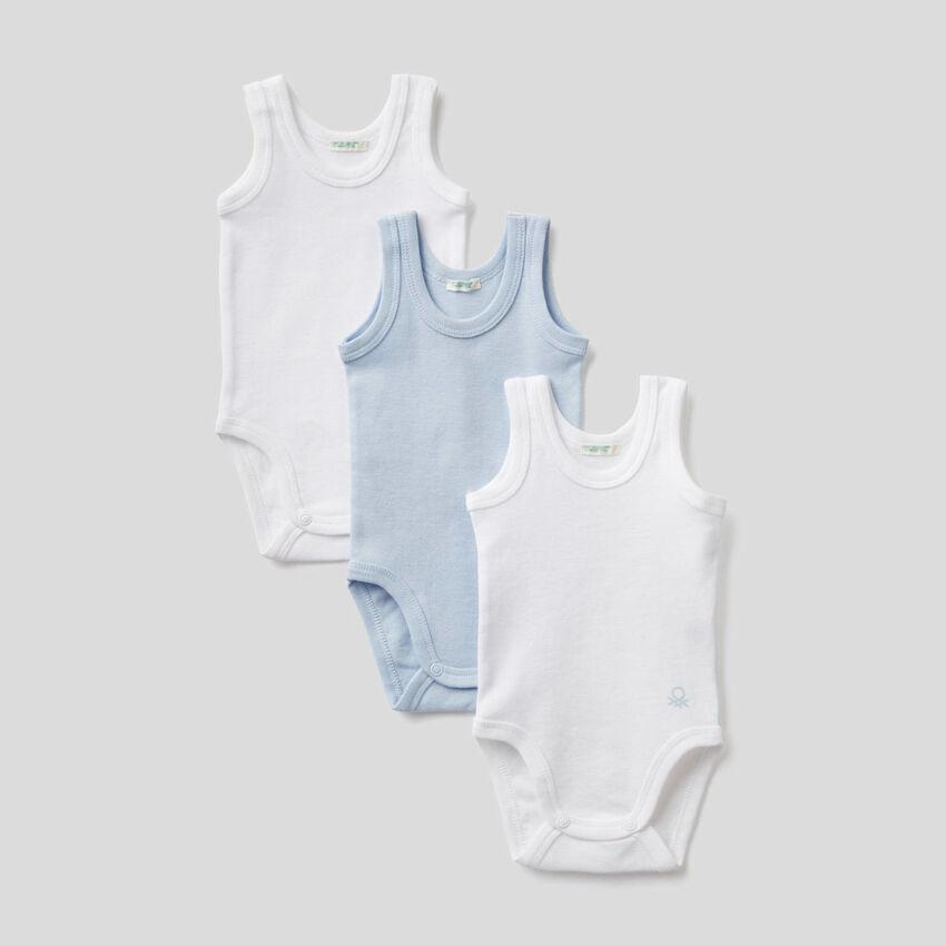 Três bodies sem mangas cor sólida
