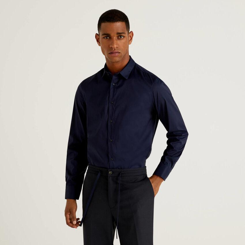 Camisa slim fit cor sólida