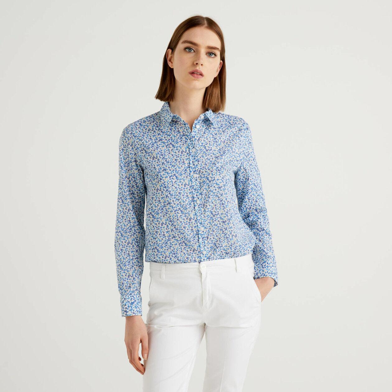 Camisa com estampa floral azul-celeste 100% algodão