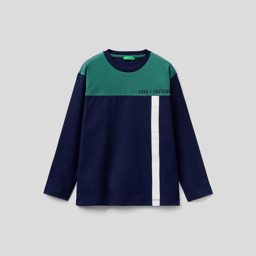 T-shirt azul-escuro color block