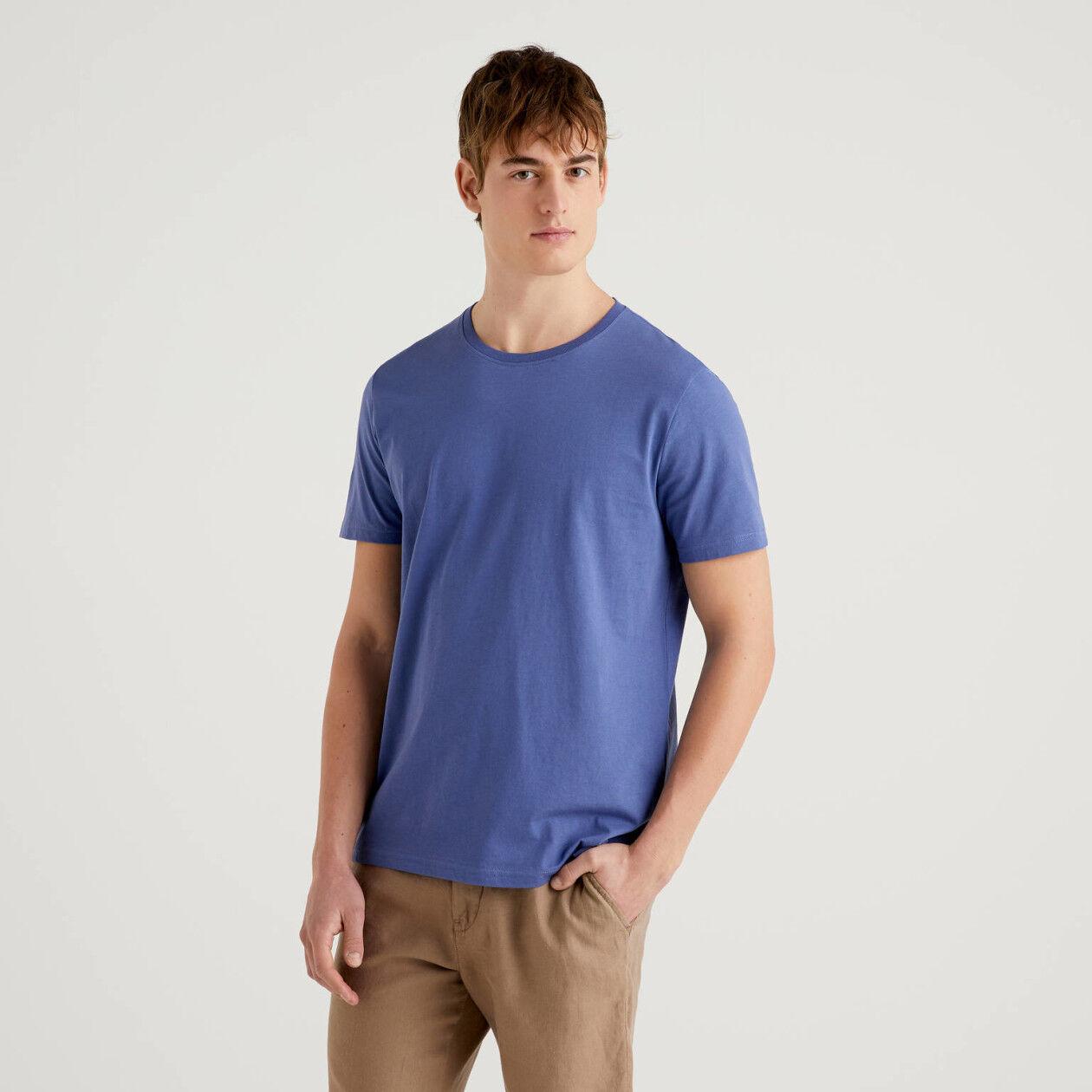 T-shirt azul em algodão puro