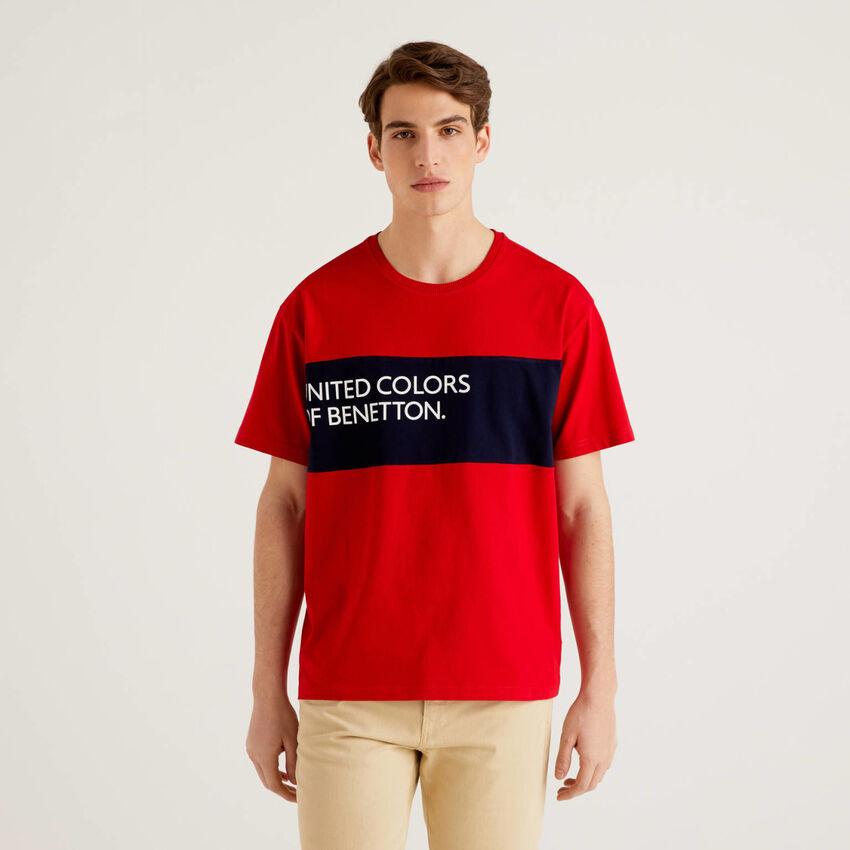 T-shirt 100% algodão com faixa em contraste
